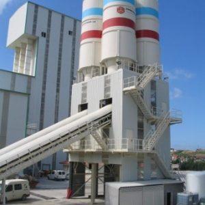 [:es]Batería de Tolvas, capacidad 150m3 - Herrera de Camargo (Cantabria, España). [:en]Hopper bank, capacity 150 m3.- Herrera de Camargo (Cantabria, Spain). [:]